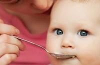 Mali savjeti za bebine prve male obroke